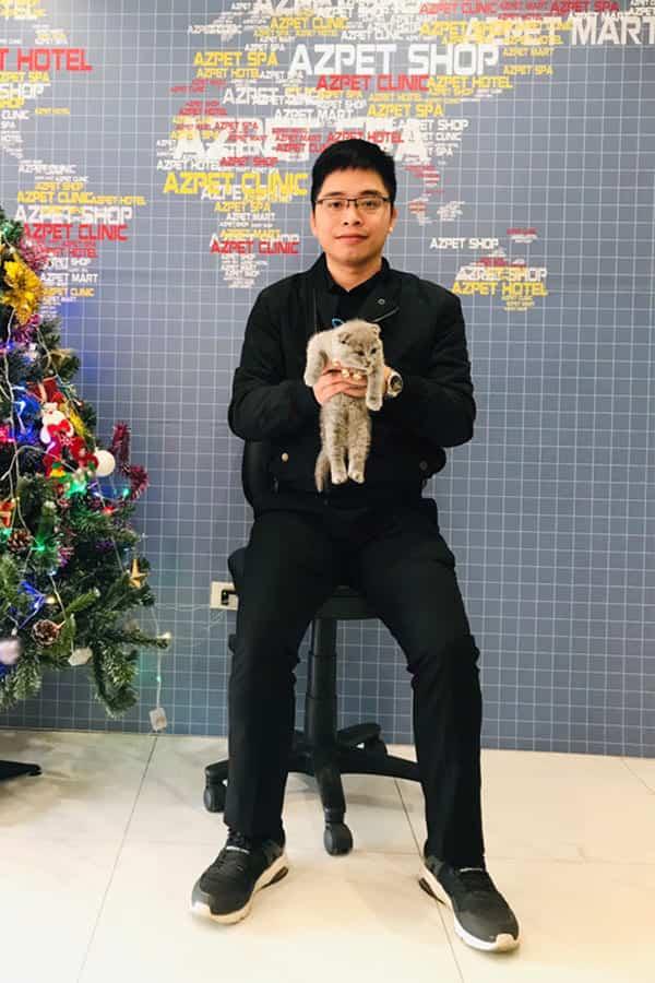 Khách hàng mua thú cưng tại AZPET